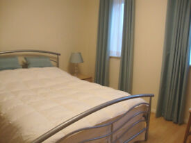 Large Double Room - Dagenham (All bills included)