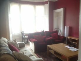 2 BED BYRES ROAD WEST END flat to rent, beautiful 2 bedrrom flat next to University.