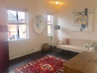 Large room available in a lovely Victorian house - central Stafford