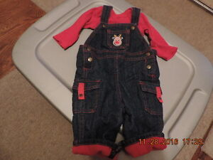 Size 6months Christmas Overalls & Onesie London Ontario image 1
