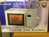 Hinari Microwave Boxed used very little.