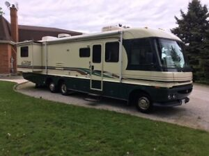 1997 Ford Pace Arrow Vision 36ft