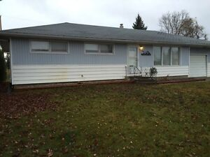 5 Bedroom Home for RENT in ESTERHAZY.