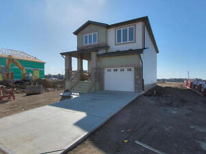 House for rent - Windermere! Single Attached Garage.