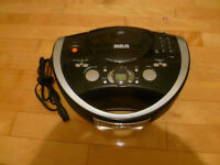 RCA Portable Radio et lecteur de CD / Compact CD player