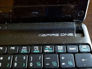 Acer Aspire One laptop (bad LCD/no power cord)