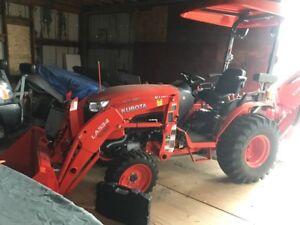 Kubota B2650HSD Tractor, Loader, Backhoe