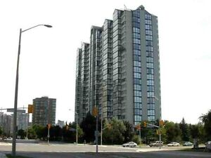 Beautifully Renvated Large 2Bed Unit In The Heart Of Mississauga