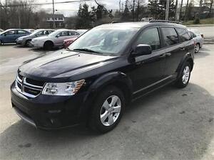 2011 Dodge Journey SXT, 7 PASS , REMOTE START, ALLOYS , SUNROOF