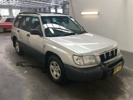 2000 Subaru Forester Gold 5 Speed Manual Wagon Beresfield Newcastle Area Preview
