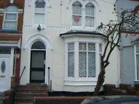 **STUDIO FLAT ** IDEAL FOR A SINGLE PERSON **GLADSTONE ROAD**AVAILABLE IMMEDIATELY **