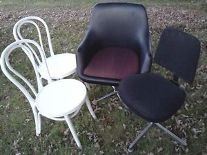 VARIOUS CHAIRS, SETS OF 4, 3, 2 & SINGLE CHAIRS - SOME ANTIQUE Cornwall Ontario image 3