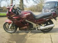 SUZUKI GSX 1100 POWERSCREEN CLASSIC MOTORCYCLE- 1990 MODEL.