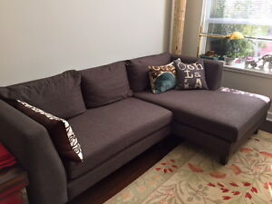 "****Beautiful and Comfy Sectional Sofa 94"" Wide****"