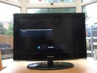 Samsung 26inch TV in excellent condition with remote and stand
