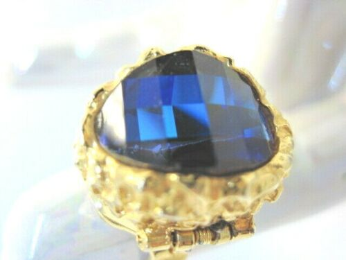 Vintage Funky Belair Ring Watch with 17-Jewel Watch Running