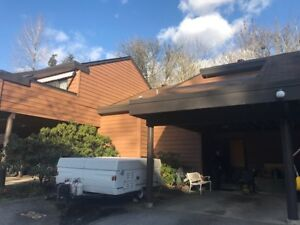 3 bedrooms 2 bathroom 3 level townhouse in East Hill, Port Moody