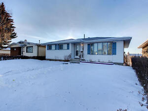 OPEN HOUSE - SUN JAN 15, 1-4 / 8315-150AVE.- 5BDS /3BTH