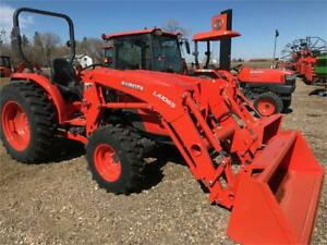Kubota MX5200HSTRC Tractor and Loader