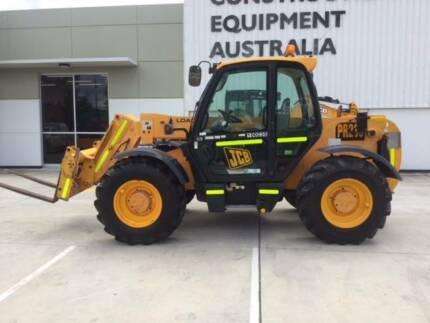 2005 JCB TELEHANDLER 530-70C WITH PIN HITCH AND FORKS