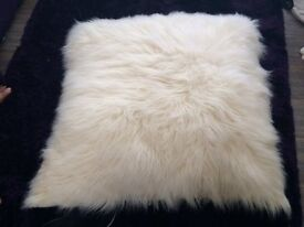 Cushion (Fluffy & Extra Large)