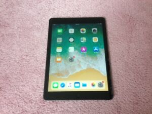 Like New 32GB Space Grey iPad 5 - Cellular 4G LTE with Warranty
