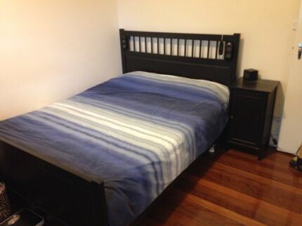 Queen Bed + Mattress