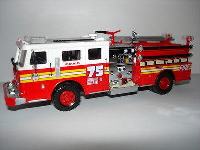 Code 3 FDNY Engine 75 Feuerwehr New York F.D.N.Y online kaufen