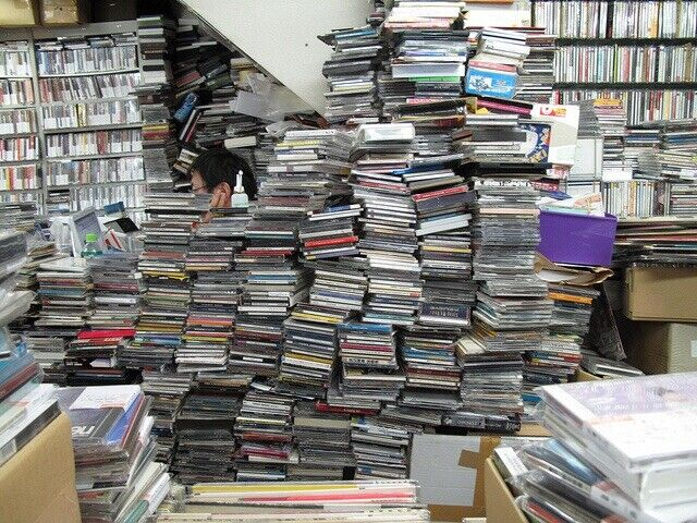 Lot of 100 Music CDs Different Types of Artists/Bands Genres Country Rock Pop +