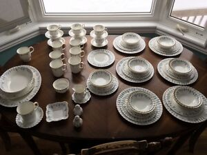 ROYAL ALBERT CHINA DISHES