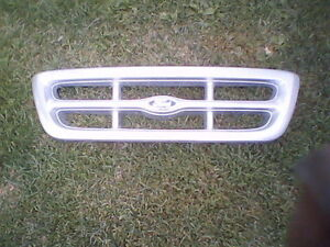 Ford Ranger Grill Cambridge Kitchener Area image 1