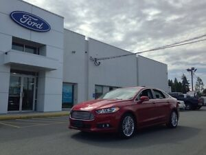 2015 Ford Fusion SE AWD with Leather, Luxury Package, Moonroof,
