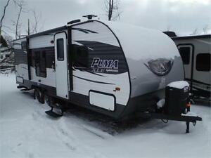 2017 Puma XLE 22RBC Ultra Lite Travel Trailer with Bunkbeds