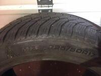 Winter Tyres for BMW 520d Good Year ultra grip GW3 225/50 R17 Run Flat.