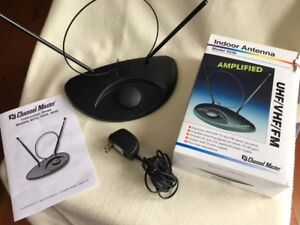 INDOOR TV ANTENNA - UHF / VHF / FM