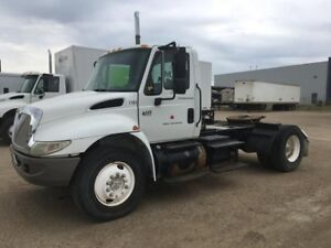 2002 International 4400 4x2, Used Day Cab Tractor