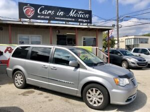 2013 Chrysler Town & Country Touring Stow & go