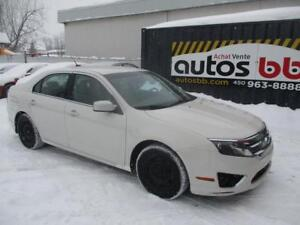 2010 Ford Fusion ( 4 CYLINDRES - ROULE COMME NEUF )