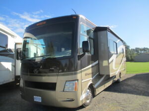 2010 Four Winds Windsport Series M-33T Ford