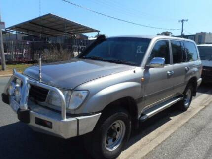 2001 Toyota LandCruiser 8 seater GXL Wagon-AUTOMATIC Mitchell Gungahlin Area Preview