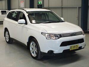 2014 Mitsubishi Outlander ZJ MY14 ES (4x2) White Continuous Variable Wagon Dubbo Dubbo Area Preview