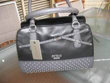 BRAND NEW LADIES GUESS BLACK HAND BAG WITH TAG  $ 125 Bella Vista The Hills District Preview