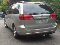 2005 Toyota Sienna LE Camionnette