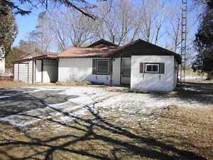 2 bedroom bungalow in Stoco backing on to Golf course $118,900