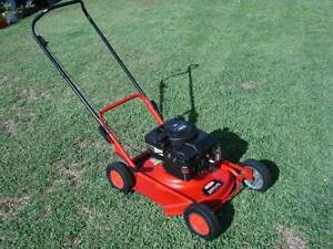 "Lawn Mower--Rover Super Ute--B&S 45 Quantum 4 Stroke--21"" cut Singleton Rockingham Area Preview"