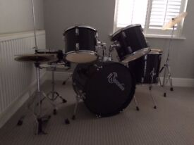 Drum Kit black Ridgewood 5 Piece set with Cymbals