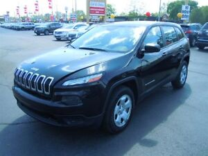 2014 JEEP CHEROKEE SPORT 4X4- REAR VIEW CAMERA, HEATED FRONT SEA