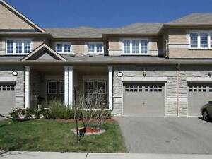 Gorgeous 4 Bedroom 3 Washroom Town Acrs From Erin Mills Twn Ctr