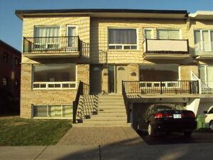 4- St-Leonard  5 1/2  1er Etage + Stationnement   $1395.00  **