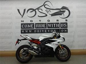 2014 Triumph Daytona 675R - V1584 - **Financing Available